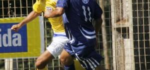 Atleta Flavio da Equipe Adulto em lance de jogo