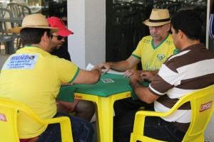 Atletas da AABB JataÌ em Partidade de TRUCO