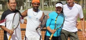 Equipe de TÍnis de quadra da AABB JataÌ, Celia e Adriano