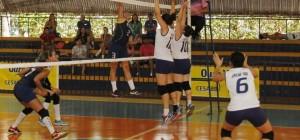Equipe de Voleibol Feminino em quadra