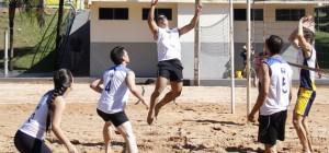 Lance de partida do Volei de areia 4x4 Misto