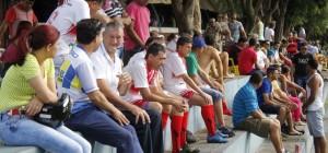 Plateia para os jogos de Futebol Minicampo